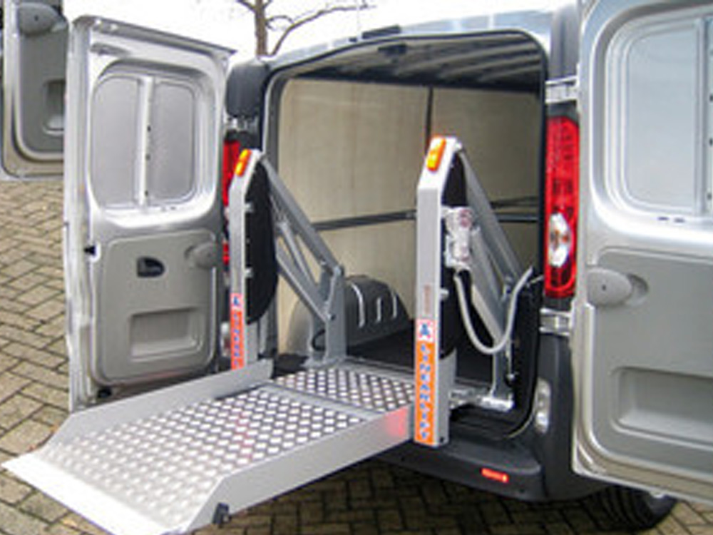 AMF Bruns - Linear Cargo Lift